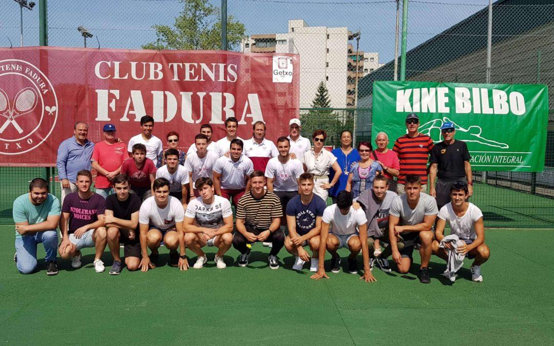 El Club de tenis Fadura gana a La Salut de Barcelona y mantiene la segunda categoria nacional